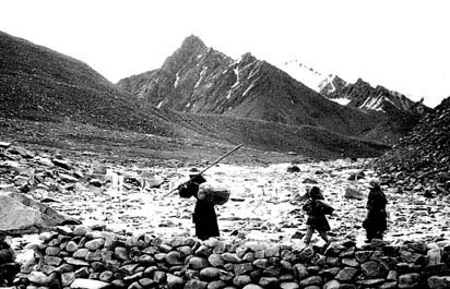 Tibetan pilgrims on Mt.Kailas parikarama